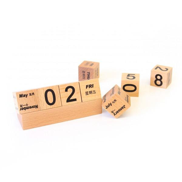 翻轉木頭桌曆